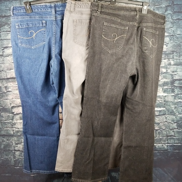 Chico's Denim - Lot: Three Chico's Pair of Jeans, Size 2.5